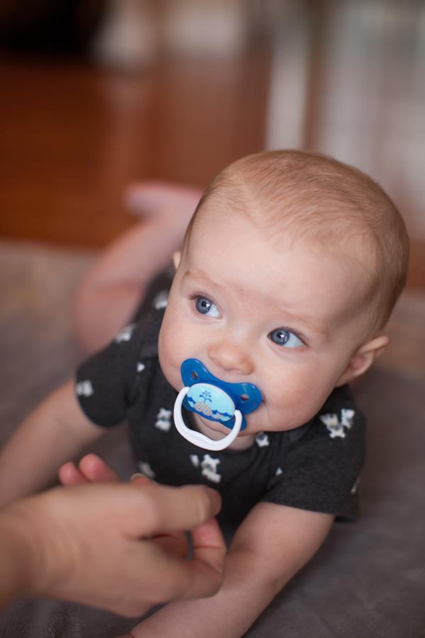 O que fazer para que o bebé abandone a chupeta?