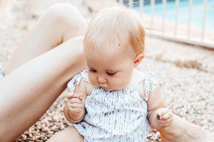 O que é imprescindível para viajar com bebés no verão
